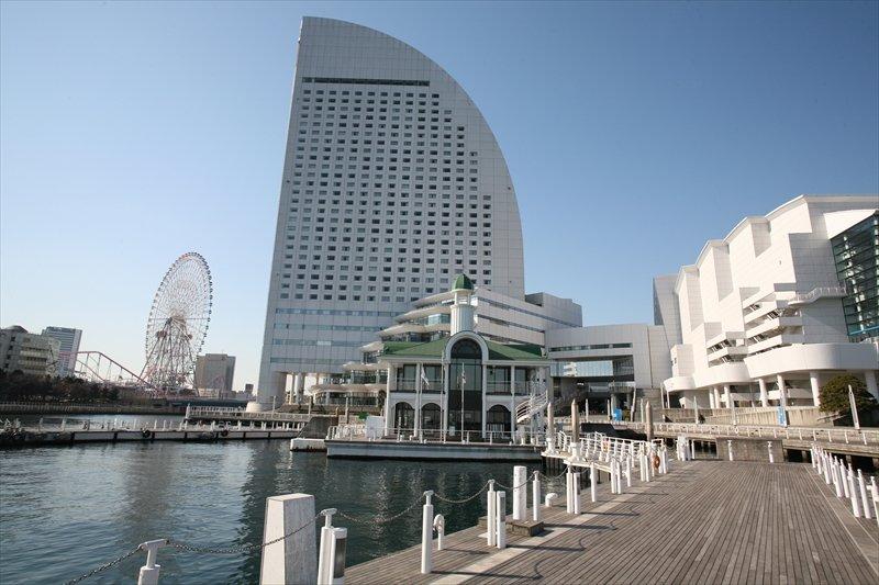 パシフィコ横浜とぷかりさん橋
